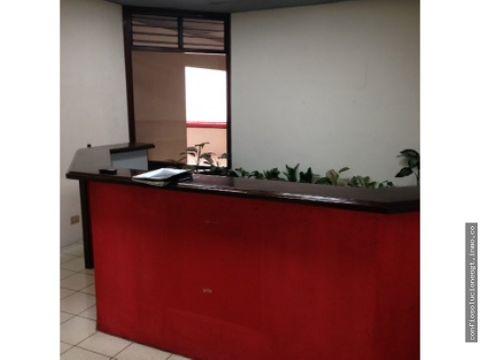 oficina de 247 mts2 en renta en zona 10