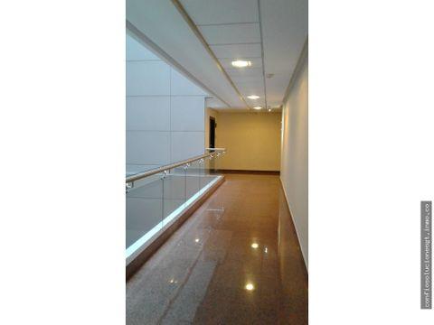 oficina de 89 mts2 en renta en zona 10