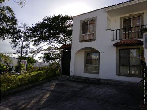 casa en renta en alamedas de villa flores