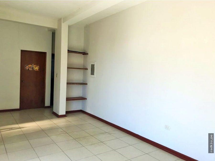 i018010 casa en alquiler calleria 267 m2