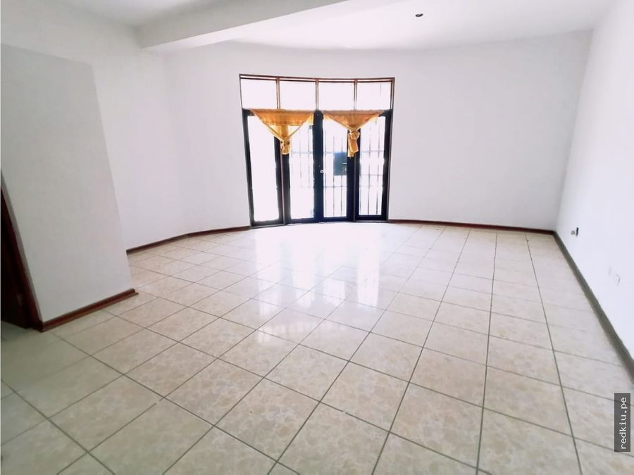 i020036 alquiiler de casa