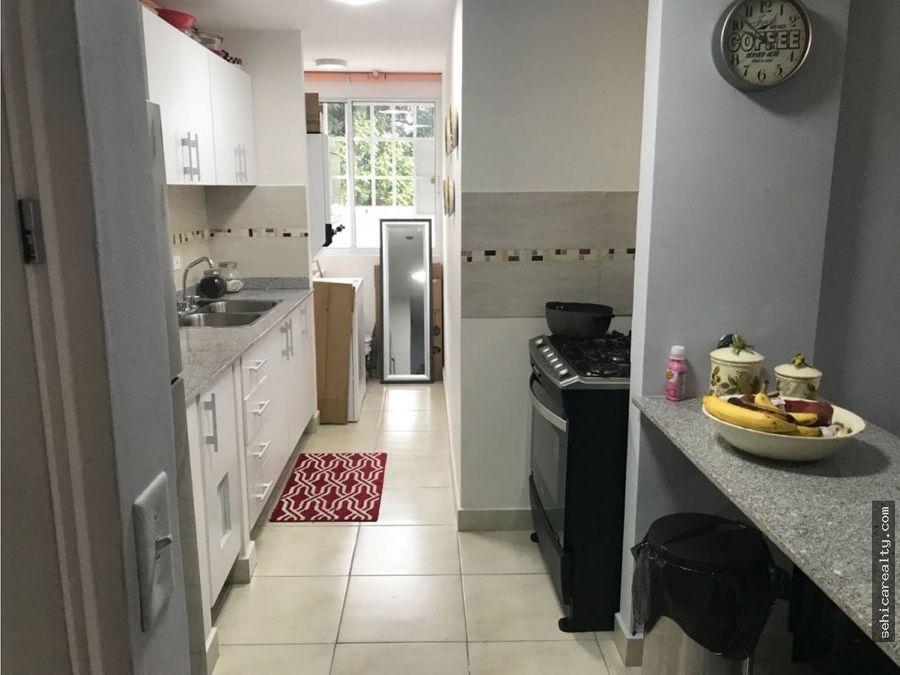 lindo apartamento amueblado en la 12 de octubre