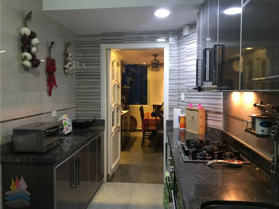 se vende penthouse duplex con linea blanca en el cangrejo