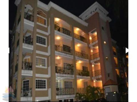 alquilo o vendo penthouse duplex con linea blanca en albrook
