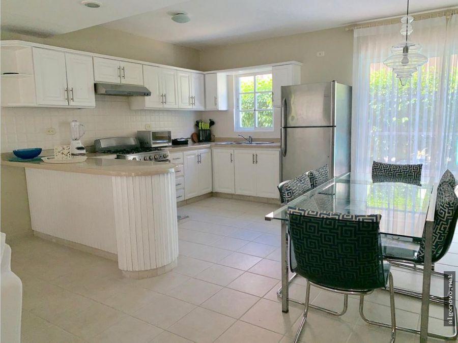 casa en venta de 2 niveles amueblada bavaro