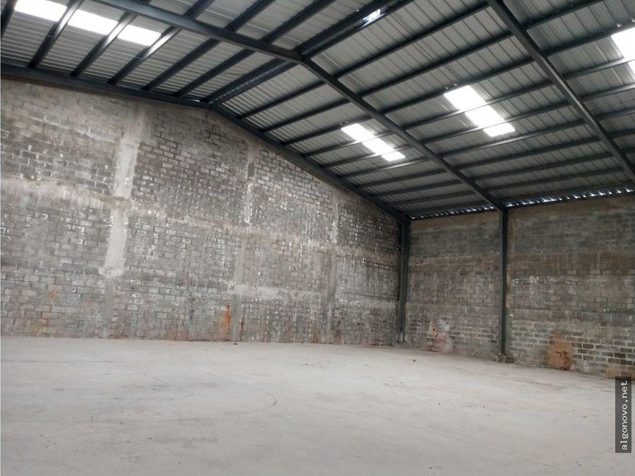 nave de almacenamiento en manoguayabo 430 mts