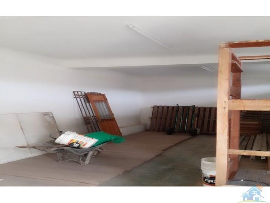 hermoso chalet de 700 m2 venta o alquiler