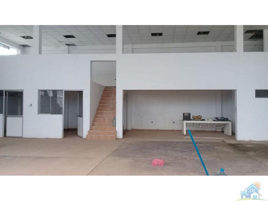 almacen con oficinas 430 m2 pucalla