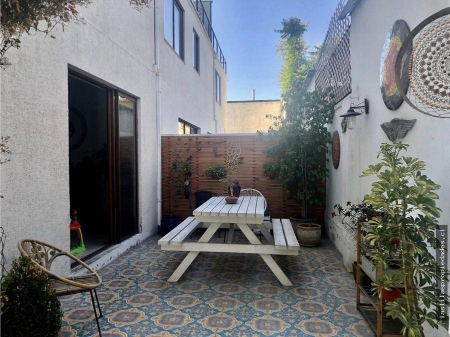 primer piso con patio vida de barrio duplex