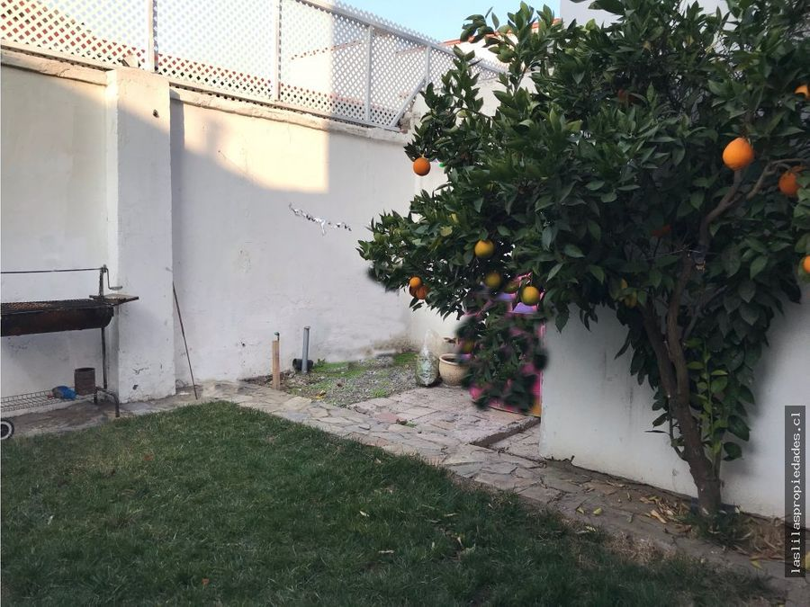 arriendo depto con patio primer piso condominio