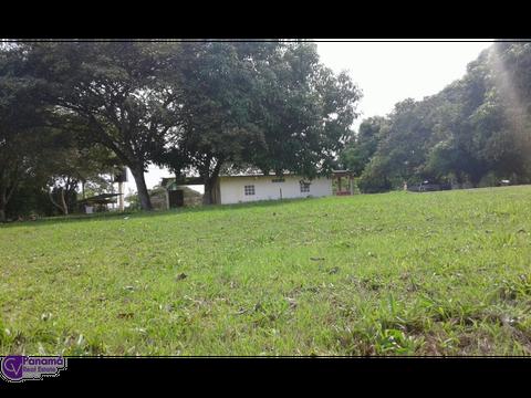 se vende terreno titulado con casa campestre