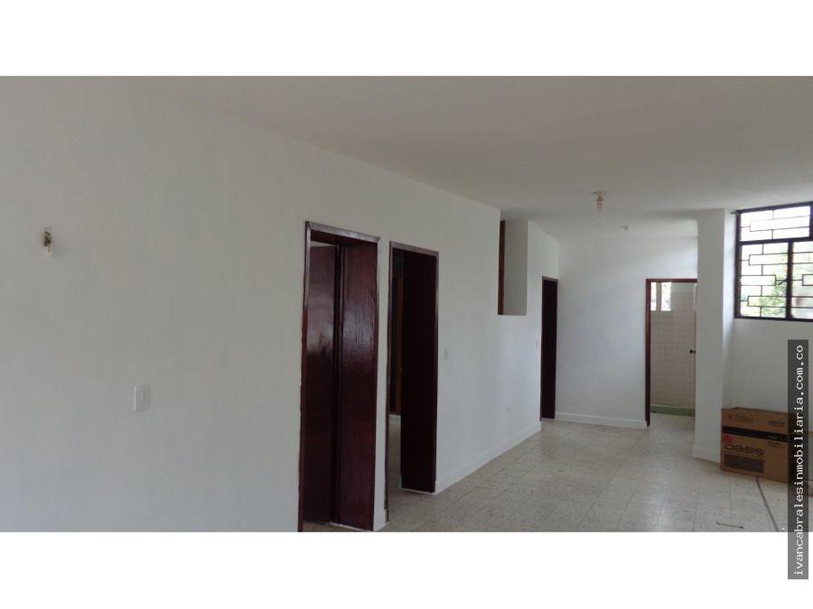 apartamento en arriendo 2o piso sector venecia