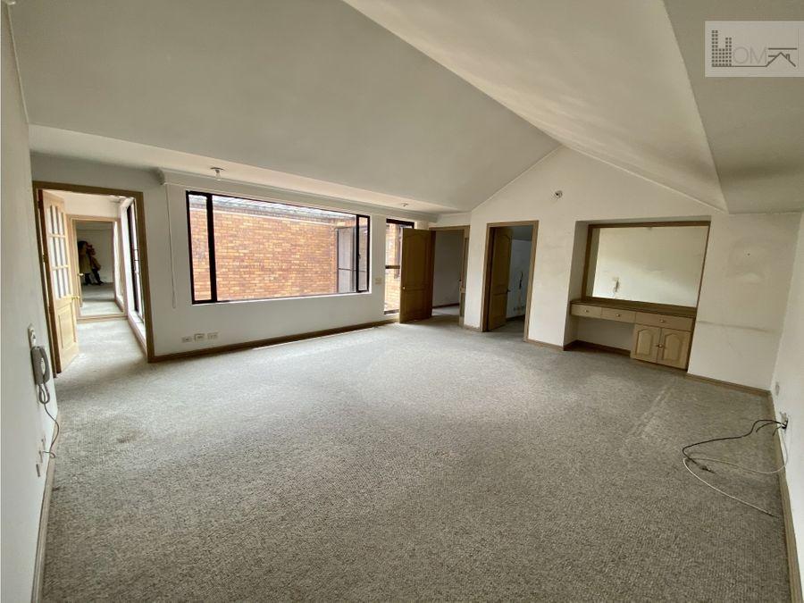 apartamento con terraza y balcon en chico para remodelar