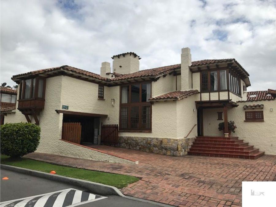 linda casa en gratamira
