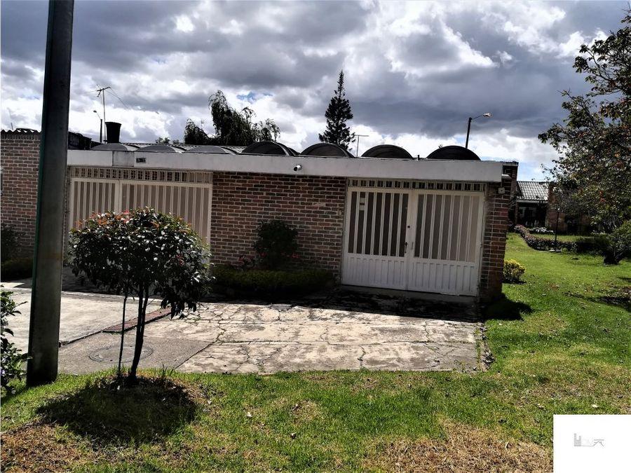 linda casa en conjunto cerrado en niza cordoba