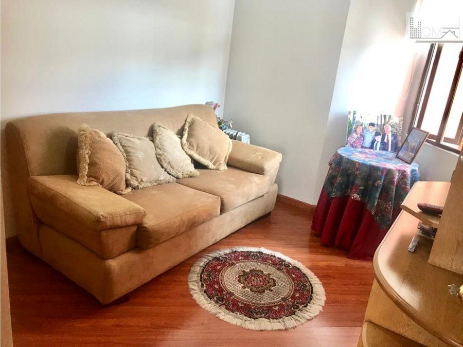 vendo hermoso y amplio apartamento en santa barbara