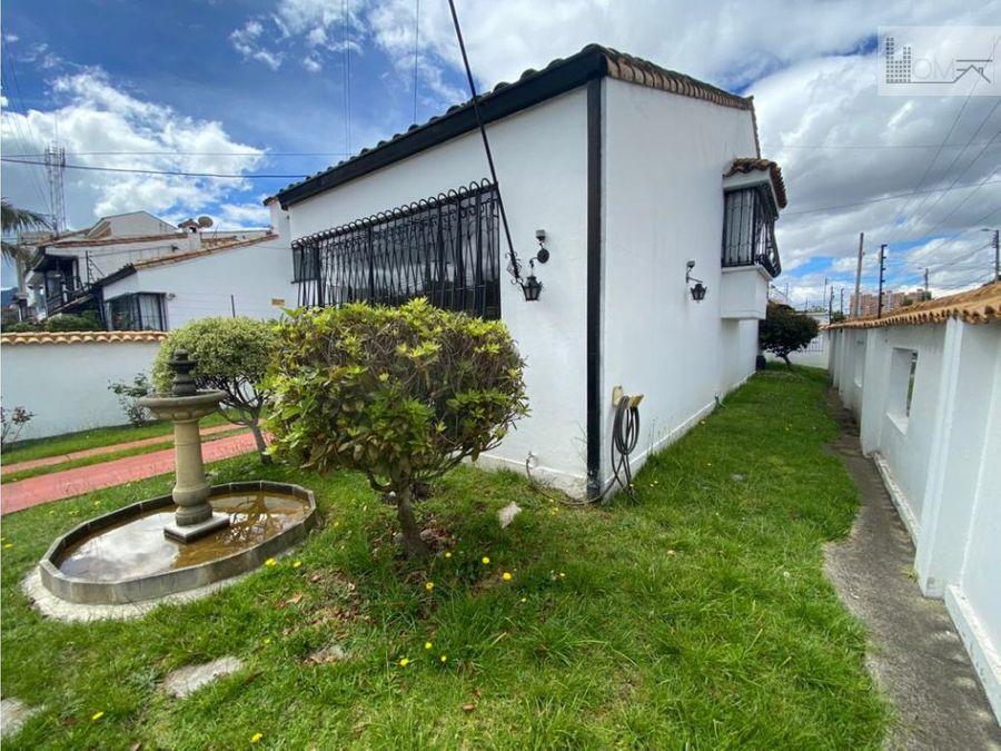 casa esquinera en venta en el barrio las villas