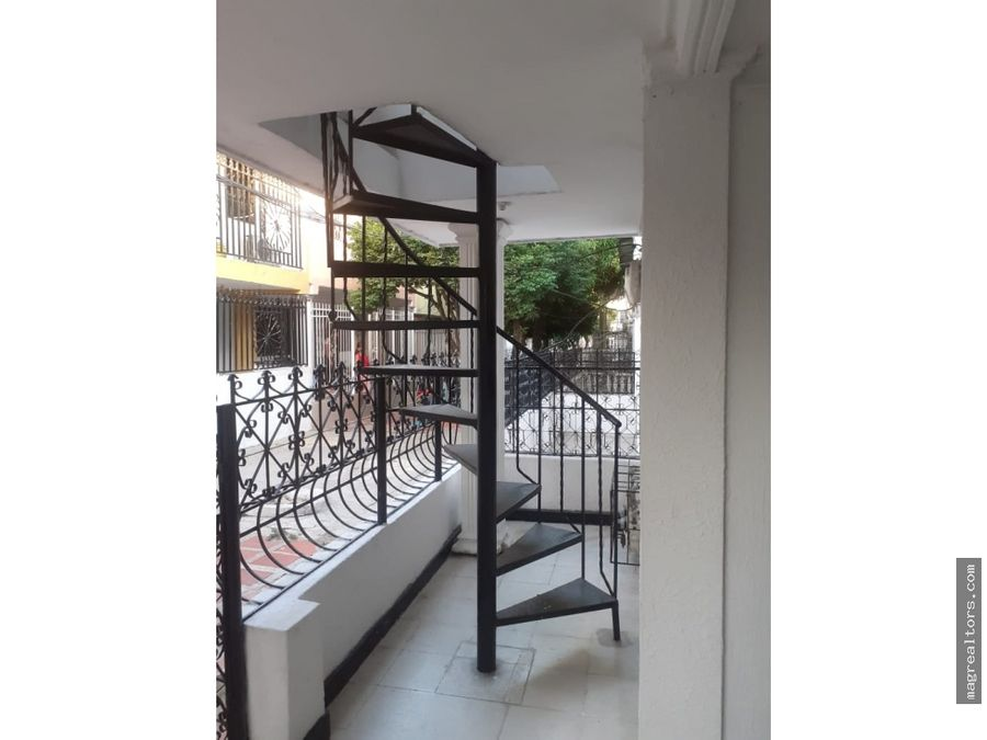 casa de dos pisos en barrio la arboleda soledad