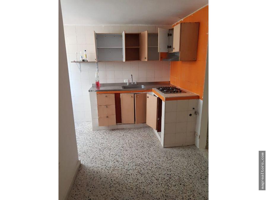 apartamento en confortable edificio sin administracion