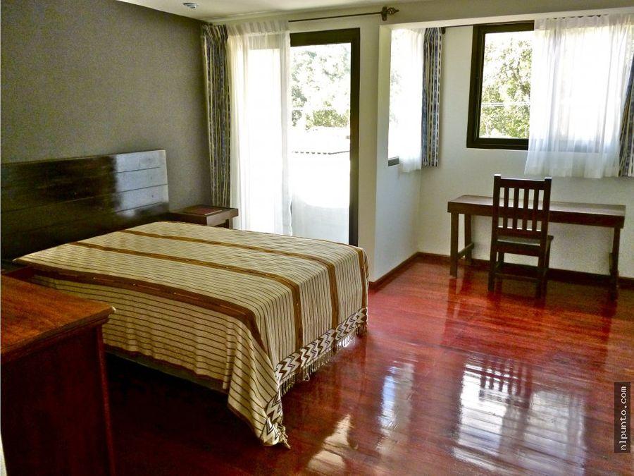apartamento en aldea santa ana a la renta