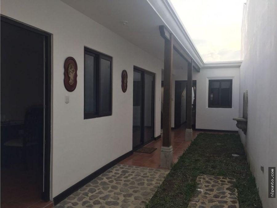casa en renta en san pedro las huertas