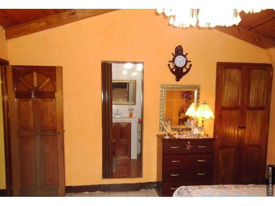 casa centrica en casco antigua a la venta