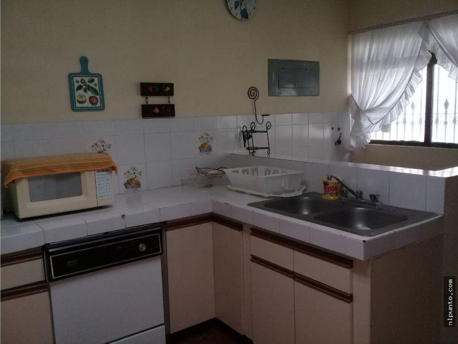 bonita casa a la renta en condominio en antigua