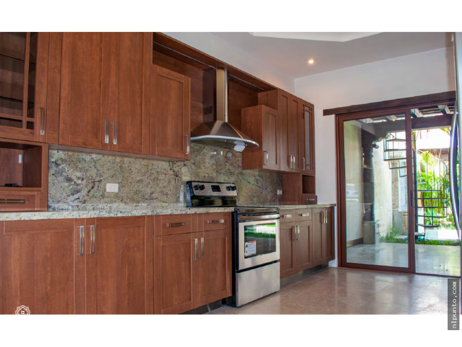 exclusiva casa en venta en condominio en antigua