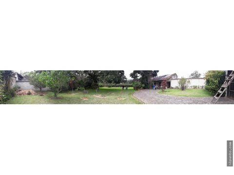 casa en venta a 7 cuadras del centro de antigua
