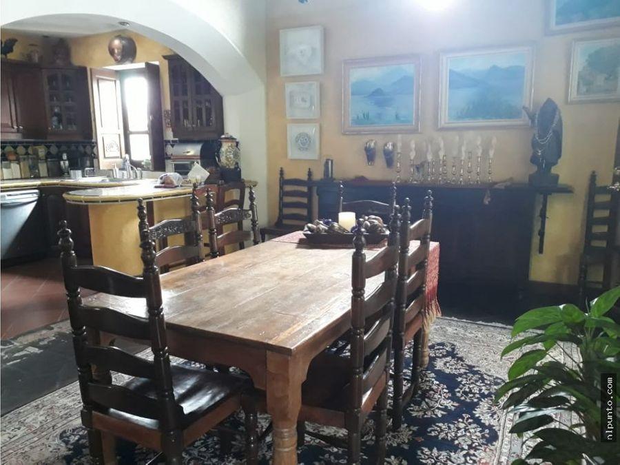 casa en venta en condominio centrico en antigua