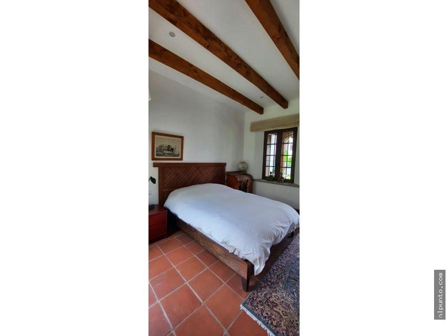 hermosa casa en venta dentro de condominio en san pedro las huertas