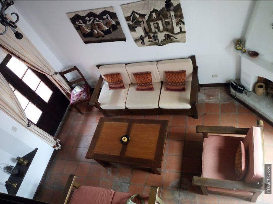 casa centrica a la renta en antigua