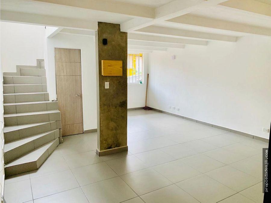 se vende casa en rionegro tres niveles