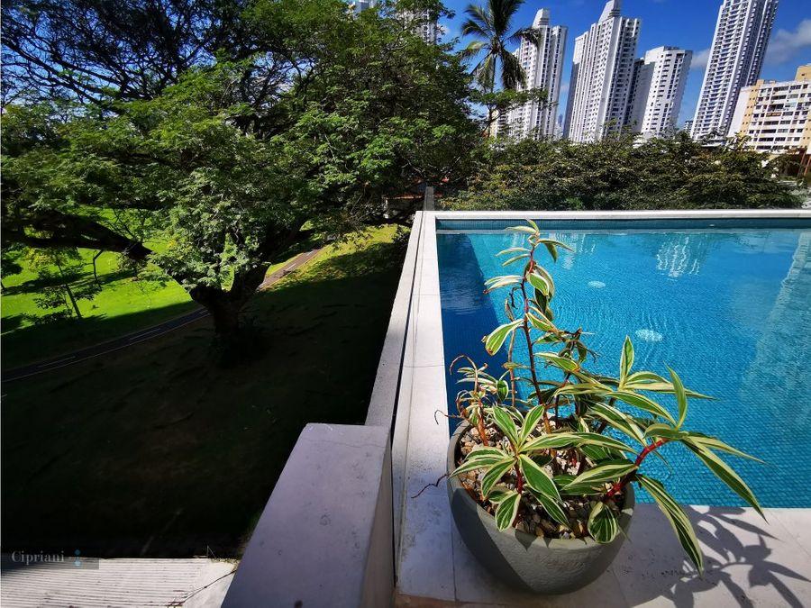 apartamento amoblado en alquiler vista y salida al parque omar tdp