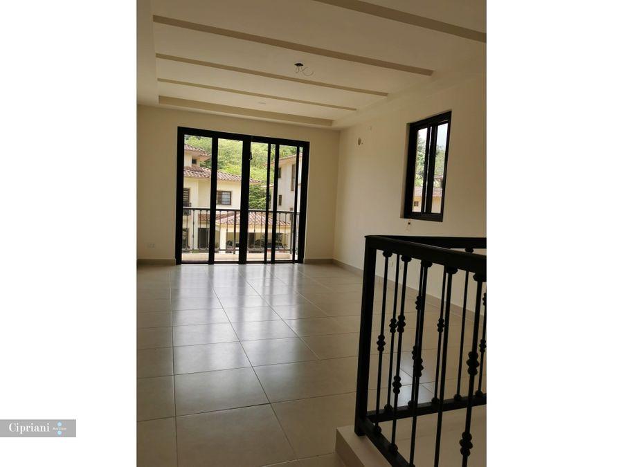 casa en venta en embassy club