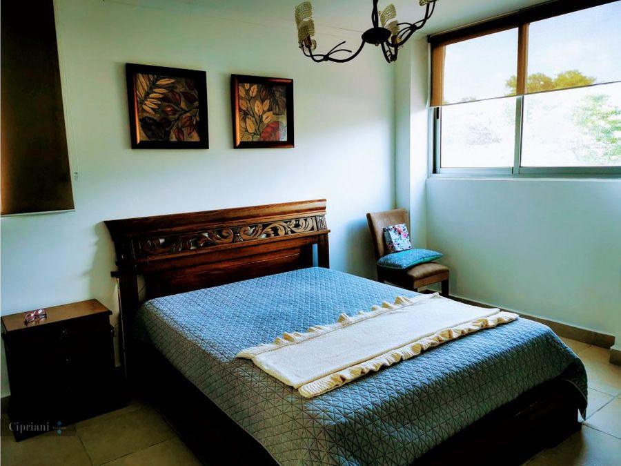 alquilo apartamento amoblado en clayton
