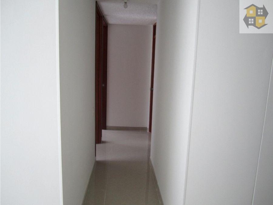 arriendo apto remodelado segundo piso 58 mts 3 alcobas 2 banos