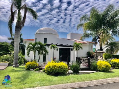 oportunidad de casa con amplio jardin