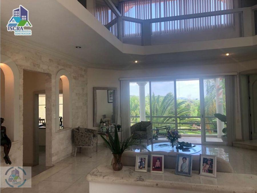 hermosa propiedad con vista panoramica