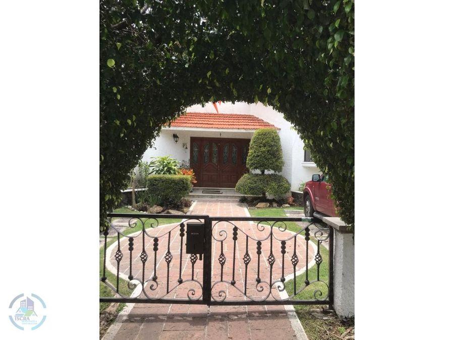 hermosa casa en lomas de cococyoc