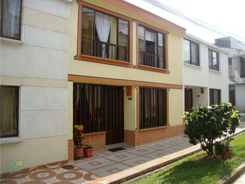 casa para venta en la villa conjunto cerrado