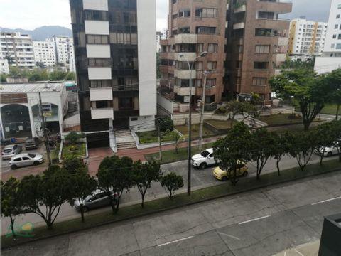 apartamento para arrendar en pinares sobre la avenida