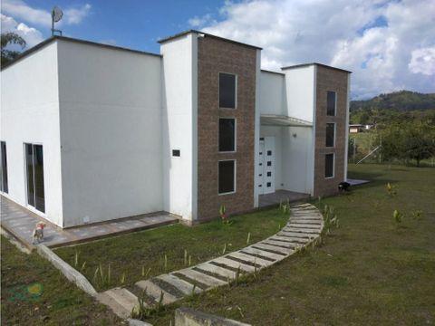 casa campestre via armenia en conjunto cerrado
