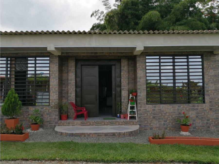 3 casas campestres