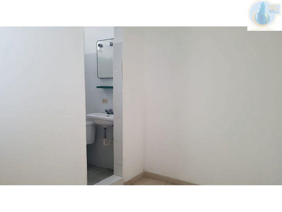 se alquila espacioso apartamento en el cangrejo