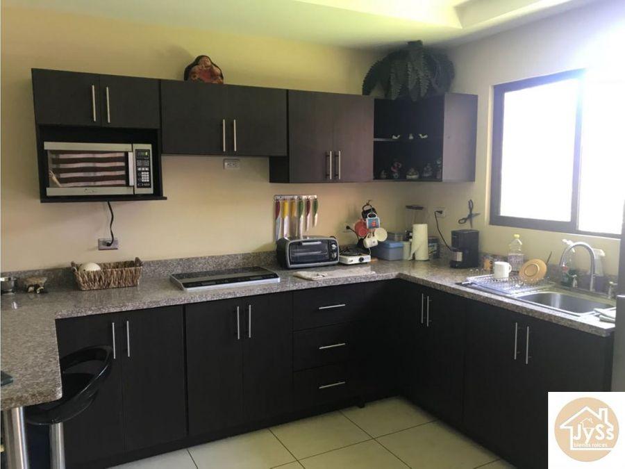 venta amplia casa en mercedes norte