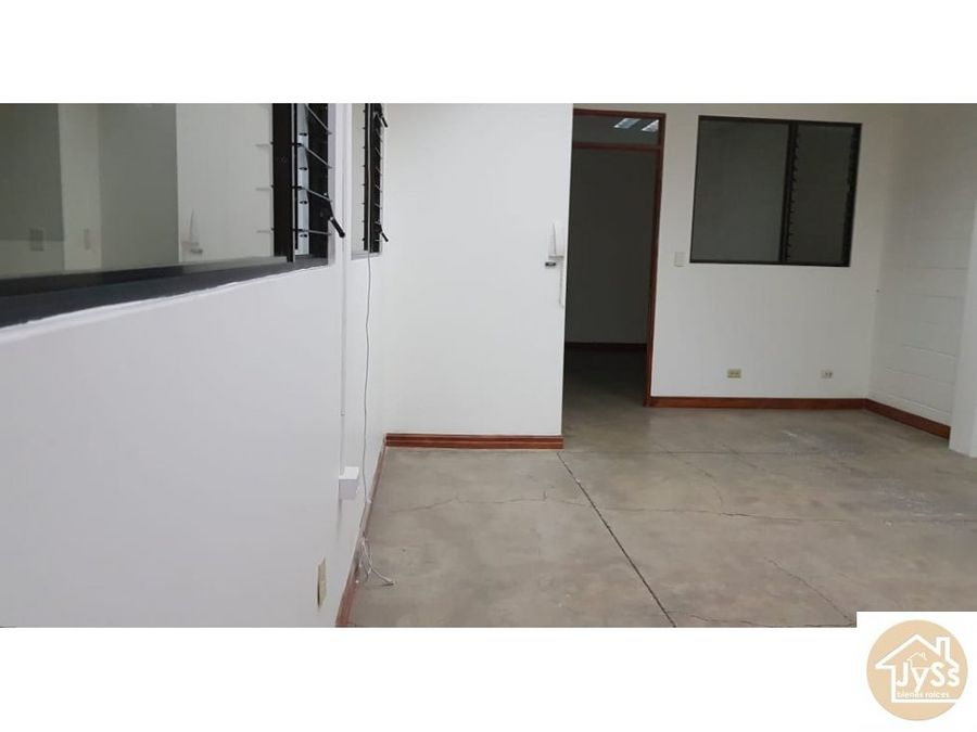 alquilere oficinas por bloques 14 m2