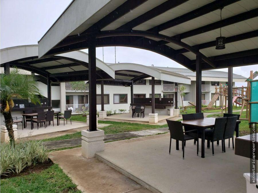 venta de apartamento en condominio vilas del este us105000