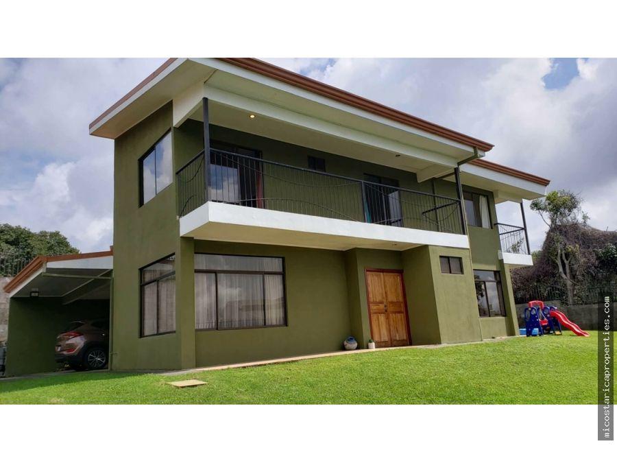 venta casa en barva heredia con vistas y amplio lote
