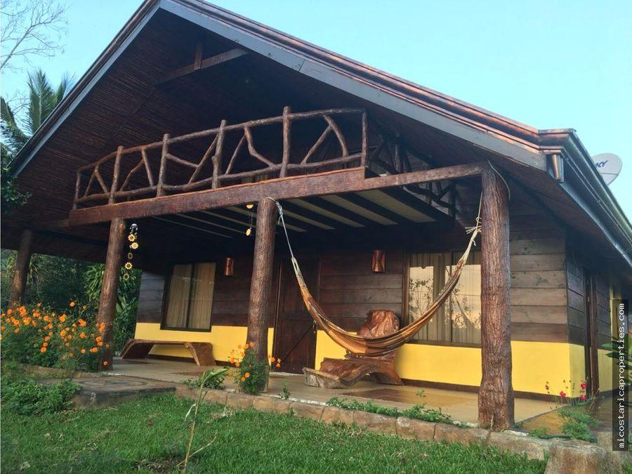 casa tipo cabana en venecia de san carlos